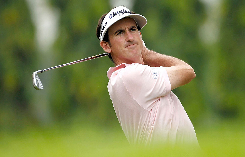 Gonzalo Fernandez-Castano shot a 61 on Saturday during the conclusion of the second round of the rain-delayed Singapore Open. He leads by three strokes heading into the final round.