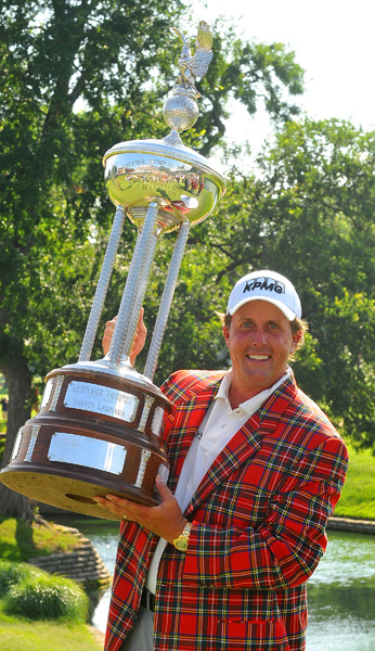 The Crowne Plaza Invitational at Colonial awards a strikingly similar coat. Phil Mickelson got one in 2008.