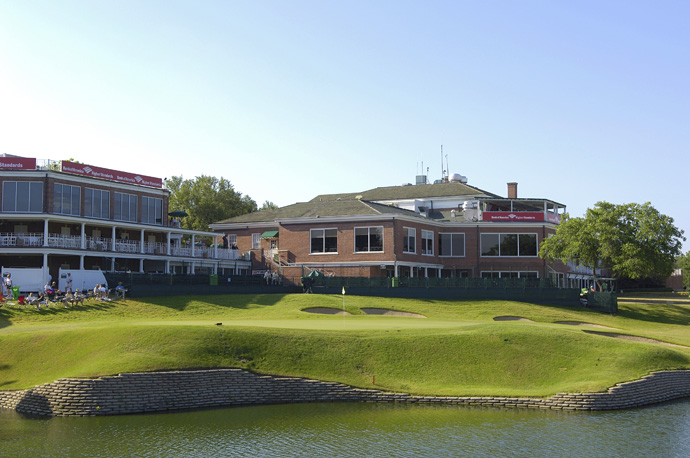 "9. Colonial Country Club -- Fort Worth, Texas                       Casper says: ""The home of Ben Hogan. I can remember walking from the pro shop to the locker room when I was a young player. Ben Hogan came walking by and I wanted to hide. I said, ""Good afternoon, Mr. Hogan."" He said, ""You're Billy Casper. You've been playing some very fine golf."" I always had a wonderful relationship with him. The No. 8 hole was the greatest par 3 I ever played. You had to tee off over Trinity River and hit a perfect shot. Right or short and you were in the river, left and you were in a swale."""