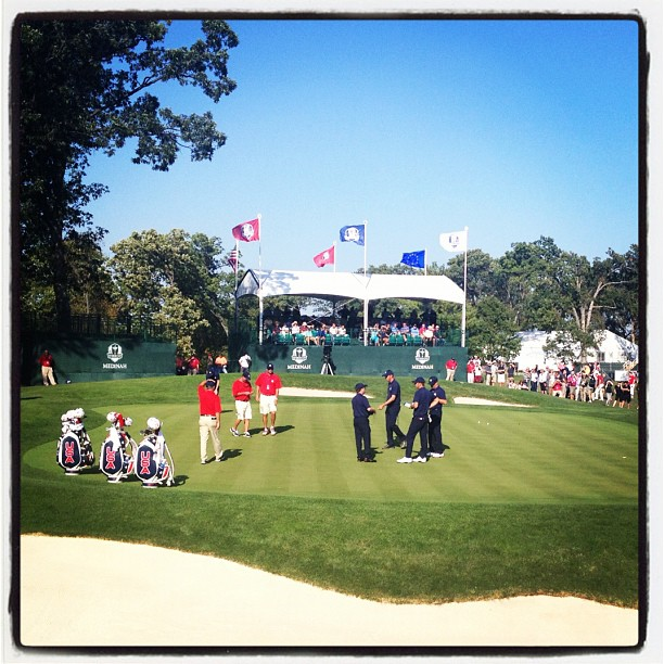 @stephaniemwei:Team USA (Kuchar/DJ & Dufner/Zach) practicing on the 15th green.