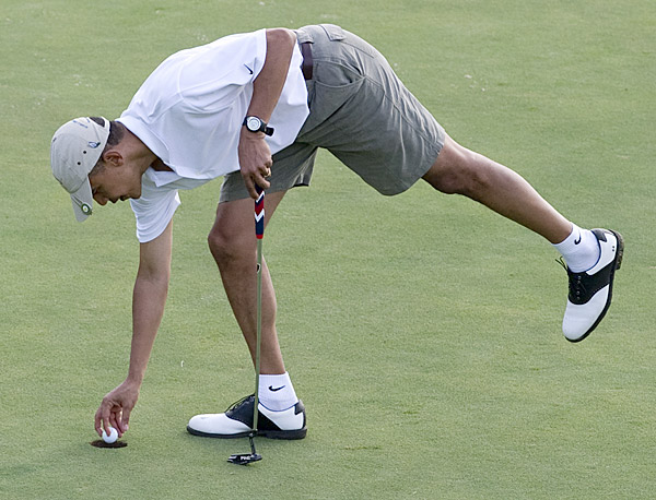 The President on the ninth green at Mid Pacific Country Club.