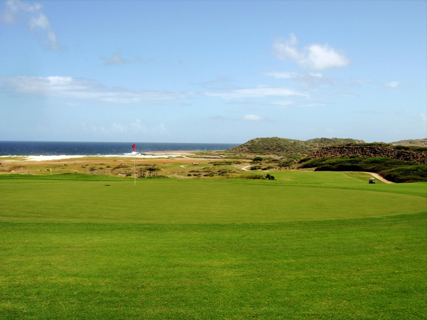 Robert Trent Jones II designed Tierra del Sol on the northwest tip of Aruba.