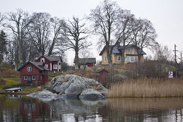 The quickest route to the island is a 45-minute ferry from Vaxholm, where Nordegren grew up.