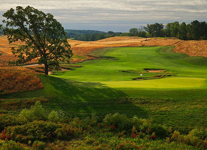 Erin Hills Golf Course Erin, Wisc.; Michael Hurdzan/Dana Fry/Ron Whitten (2006) -- $225, erinhills.com
