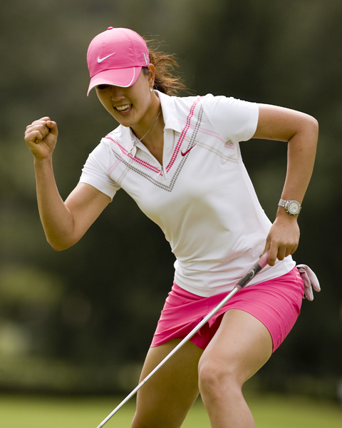 Wie rolled in a birdie on No. 4 to jump-start her round. She also made birdie on No. 9 to shoot two-under on the front.