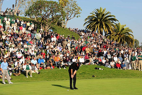 This was Mickelson's first victory at Riviera.