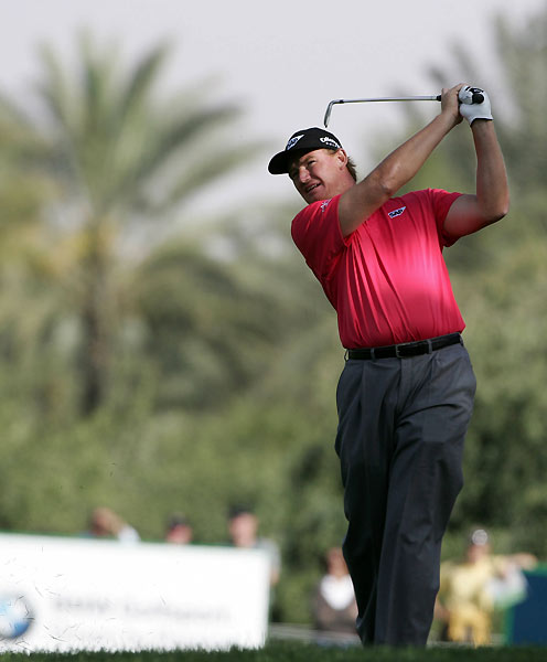 Round 3 of the Dubai Desert Classic                       Ernie Els grabbed a one-shot lead after a seven-under 65.