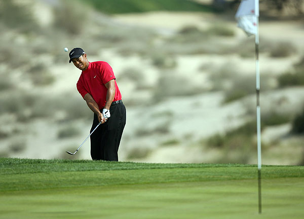 Woods moved on to the Dubai Desert Classic, where he trailed Ernie Els by four shots heading into the back nine.