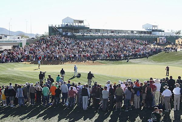 Despite the unplanned Monday finish, spectators showed up in droves to watch Wilson win, as they had done all week.