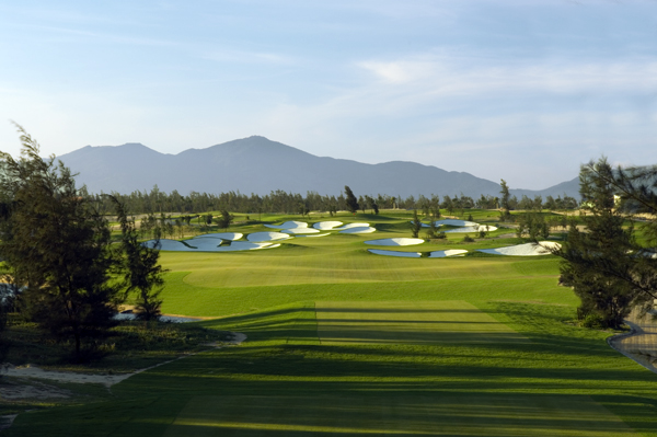 Montgomerie Links                        Danang                        7,340 yards, par 72                       Green fees: US $100-$125                        011-84-510-941-942 montgomerielinks.com                                              A world-class contemporary links course across the street from some of Vietnam's nicest beaches.