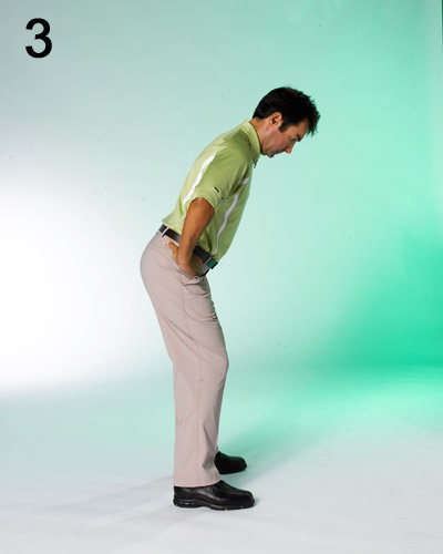 STEP 3                                              Push your rear end out while simultaneously tilting your spine forward. Flex your knees so that they line up with your shoulders.