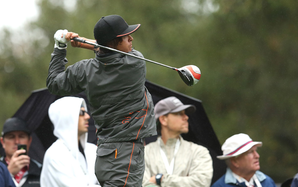 Rickie Fowler climbed into contention with a five-under 67.