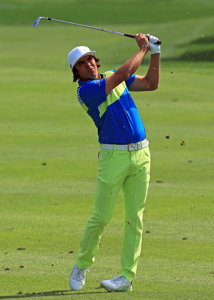 Rickie Fowler, who has been struggling with a back injury, fired a bogey-free 67.