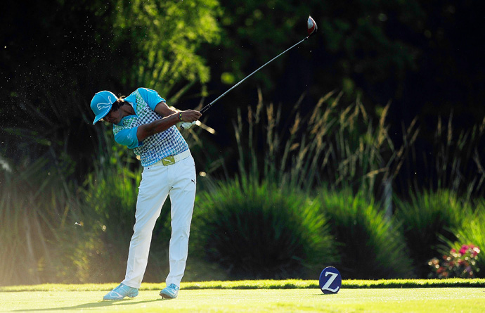 Rickie Fowler made five bogeys and four birdies for a 73.