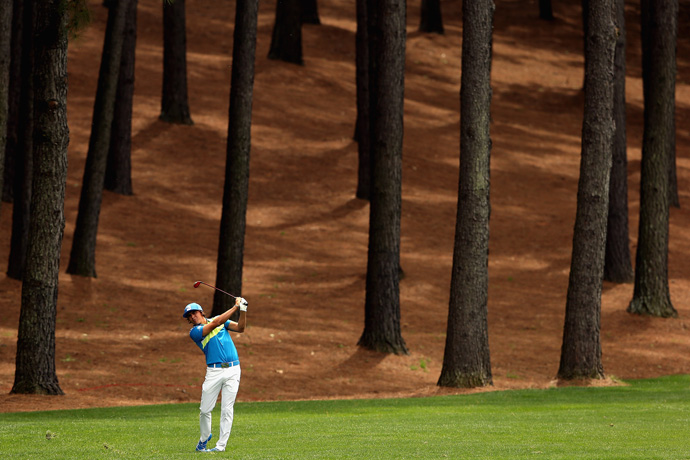 Rickie Fowler made two birdies and two bogeys for a 72.