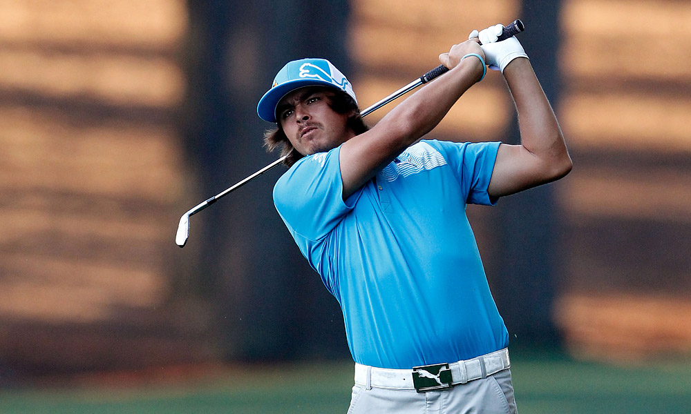 Rickie Fowler fired a six-under 66 in the morning.