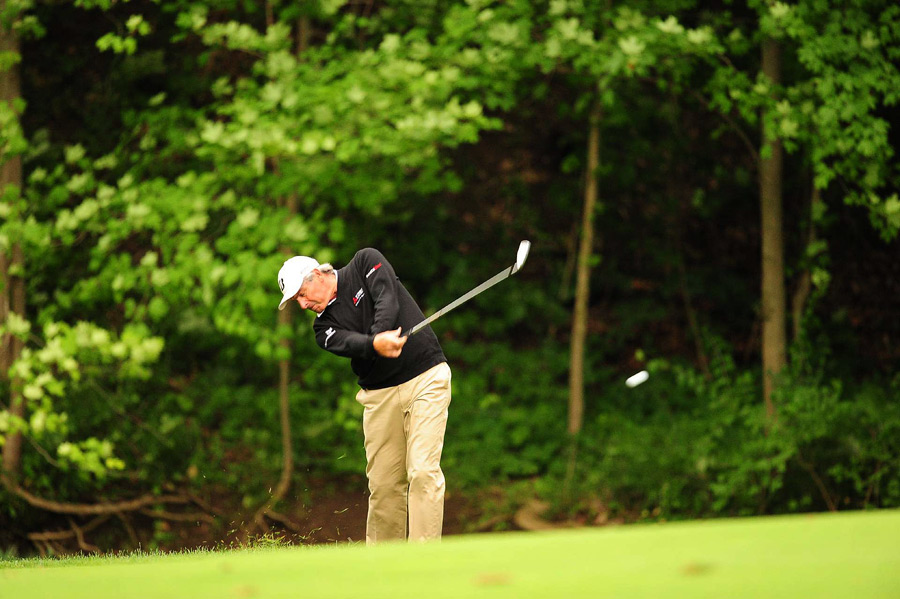 Fred Couples birdied two of the last four holes to make the cut.