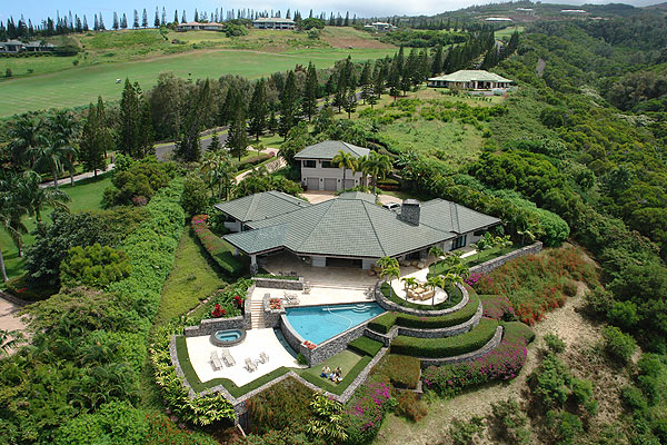 Jim Furyk's Hawaiian Estate for Sale                     Price: $7.5 Million                     Listed by Sakamoto Properties Limited                     Situated on 2.5 acres, this 4085-square-foot home is surrounded by the Plantation Golf Course in Plantation Estates, a gated community.