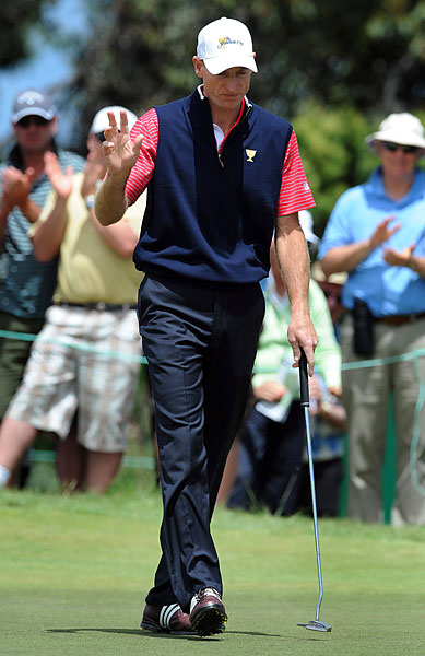 Jim Furyk closed out Ernie Els, 3 and 2, with birdies on 14 and 15.