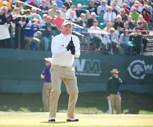 Gainey held the lead for most of the day, but bogeys on 11 and 12 dropped him out first place.