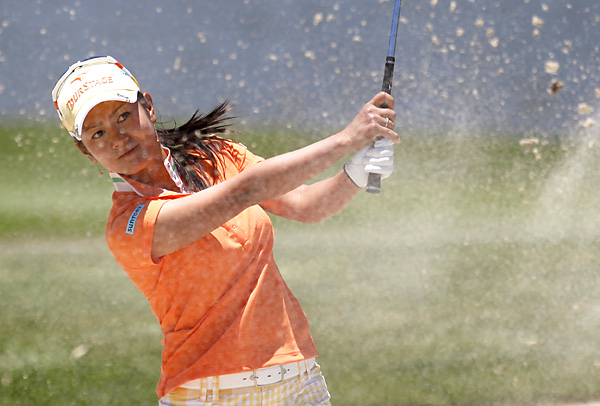 fired a 6-under 67 to finish at 19-under par and lock up her third win of the season.