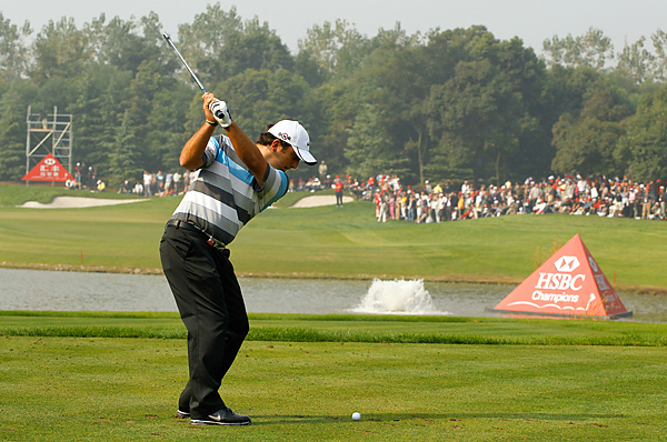 Francesco Molinari shot a 68 on Sunday to beat Lee Westwood by one shot and win his second career event.