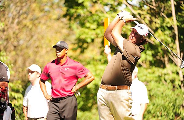 were paired together for the final round. Mickelson shot a 67, while Woods fired a 70.