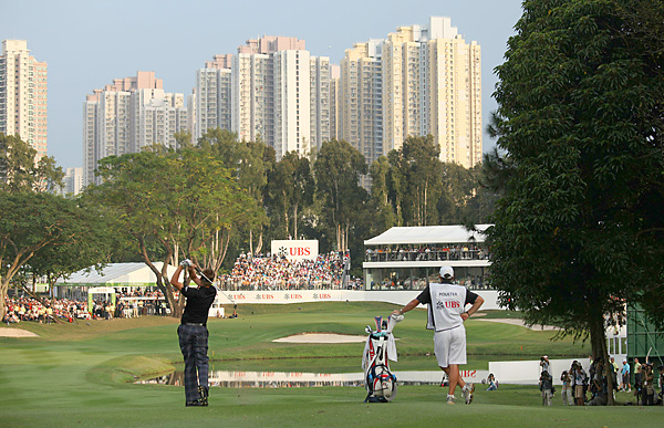 shot a 67 on Sunday to beat Matteo Manassero and Simon Dyson by one shot for his 10th win on the European Tour.