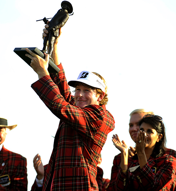 Brandt Snedeker beat Luke Donald on the third hole of sudden death to win the Heritage.