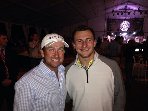 @graememcdowell: Hanging with Johnny Football at the @NetJets party. Nice guy. Likes his golf. Which team will he go to? #manziel