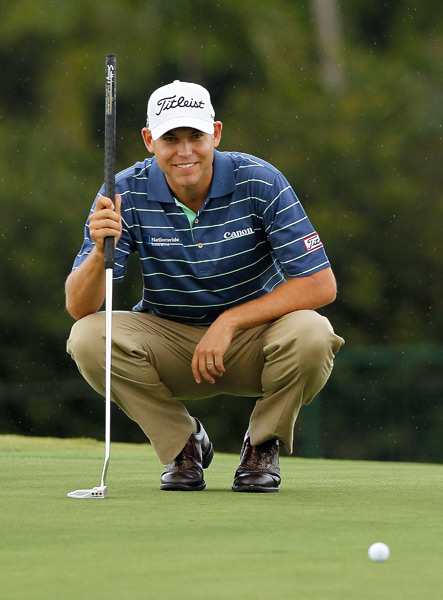 9. Bill Haas                       Bill Haas is no risk-taker in the fashion department, but that's precisely what I like best about him. He's dependably traditional, outfitted in two of golf's most iconic brands: Titleist and FootJoy. Haas has an athletic build, but his look is classic: polos that are roomy without being too baggy, tailored trousers in natural materials, braided leather belts and golf shoes with saddles and wing tip details. He may not be flashy, but he always looks polished and professional.