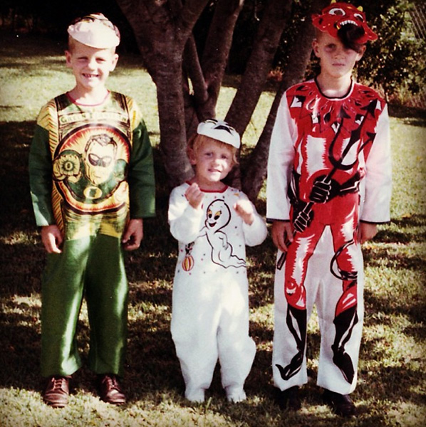 "Jack Nicklaus>Throwback Thursday: Scary to think what golf would be like today without the Nicklaus family! Check out this 1968 photo of the three oldest of five Nicklaus kids—Steve, Nan and Jack II—on their way out trick-or-treating. # halloween #nicklaus #goldenbear #trickortreat #throwbackthursday #tbt."" Via Instagram."