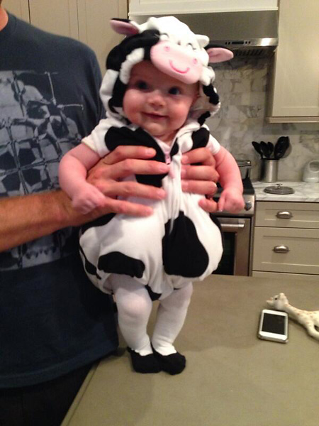 "Lucas Glover""Happy Halloween! Good chance she'll hate us for this in a few years. Awful cute now tho. #eatmorchikin."" Via Twitter pic.twitter.com/gGKWMl8RJj"