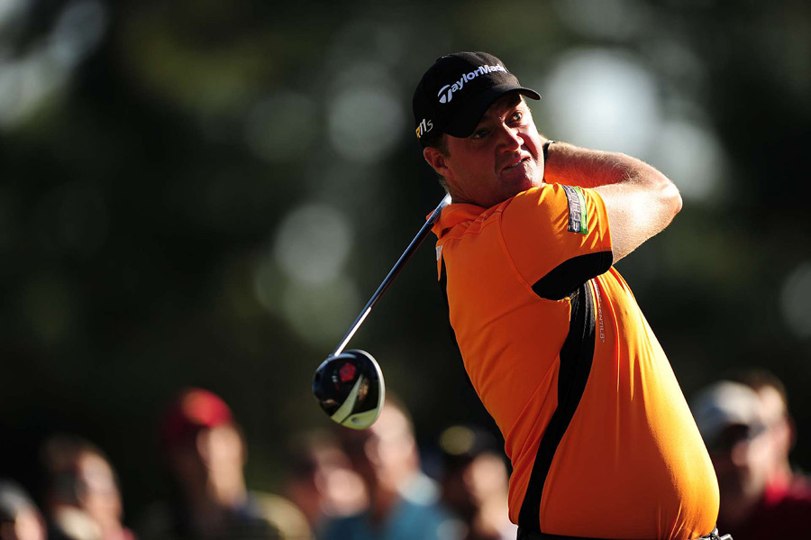 Peter Hanson birdied 17 and 18 for a seven-under 65 and a one-shot lead over Mickelson heading into the final round.