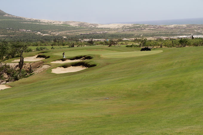 17th Hole: An upper area, covering one-third of the fairway landing area, is harder to hit, but if successful, you'll face an easier angle into a peninsula green that edges the arroyo. No matter how you fare, you get a superb view of the seaside dunes.