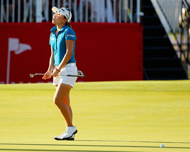I.K. Kim, 2012 Kraft Nabisco Championship                       Kim missed a one-foot putt to win the 2012 Kraft Nabisco Championship, the first LPGA major of 2012, and later lost in a playoff to Sun Young Yoo. Here are some other famous examples of pros missing short putts in crucial spots.