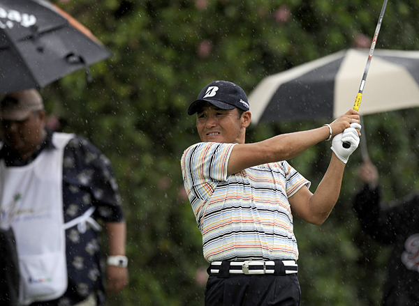 Sony Open in Hawaii: Round 2                                              First-round leader Shigeki Maruyama fought through wind and rain to shoot a 2-under 68.