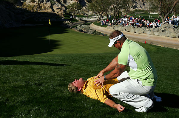 John Daly got a massage from chronic pain specialist Jim Weathers next to the 17th green at PGA West.