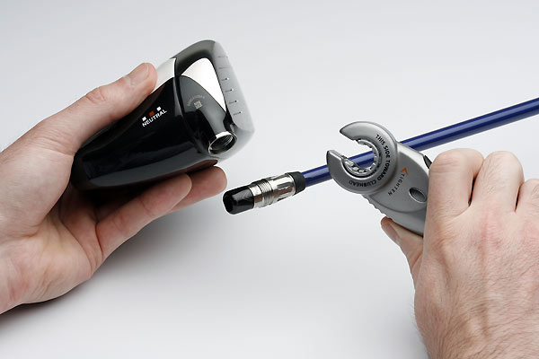 Callaway This is a three-step process. First, slip the shaft and hosel assembly into the opening in the top of the clubhead, making sure they're correctly aligned, and push them together.                        Second, use your fingers to tighten the nut that holds the two pieces together.Third, use the official I-Mix wrench to turn the nut several rotations until it makes a loud clicking sound. That noise indicates that the assembly is locked in place.