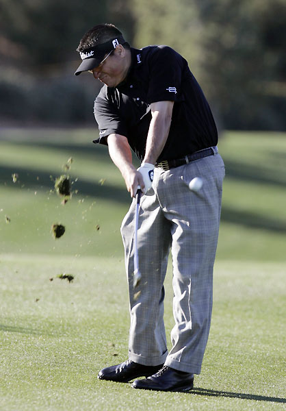 Third-round leader Robert Gamez is one of four players tied for second place.