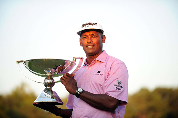 Vijay Singh                     After Harrington, Singh, who turns 46 in                     February, made the most of Tiger's sabbatical                     with three Ws. Two were in consecutive                     weeks to start the FedEx Cup playoffs,                     thus making the rest of the playoffs                     must-flee TV. Can Singh                     keep up the pace                     and take Tiger's No. 1                     ranking? He's the only guy                     who's done it before.                                          Threat level: Elevated