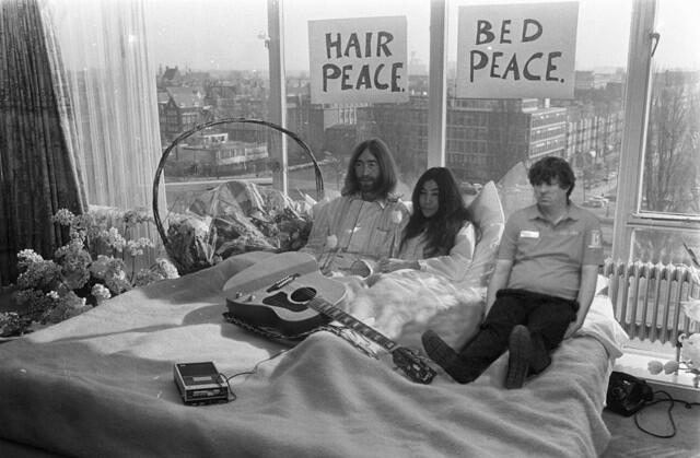 John, Yoko, and the Duff.
