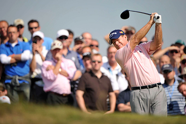 Watson shot even par to make the cut at age 61.