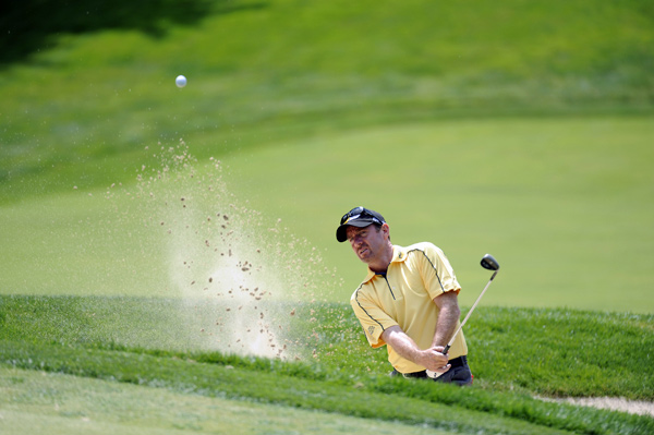 Rod Pampling moved into second place with a six-under 64.
