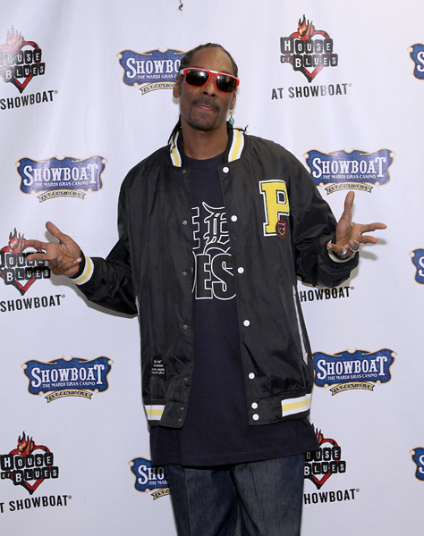 The Pick: Snoop Dogg                       Yes, Snoop plays well on bent-grass.