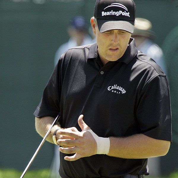 Phil Mickelson, who took last week off because of an injury to his left wrist, worked on his putting on the practice green.                                               Read more about Mickelson's practice round