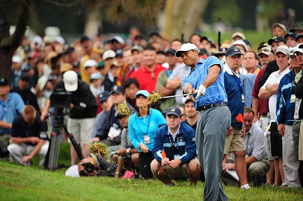 Tiger's tee shot found the rough on the first hole.