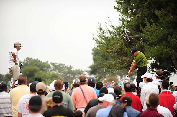 Phil Mickelson dropped back to four over par in the second round.