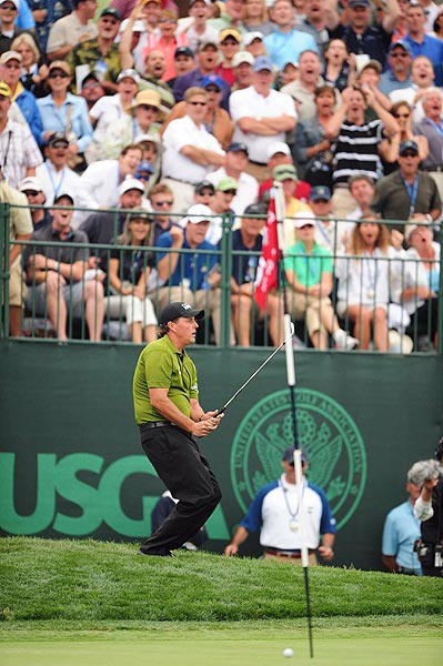 Mickelson has six bogeys and two birdies to shoot four-over 74.