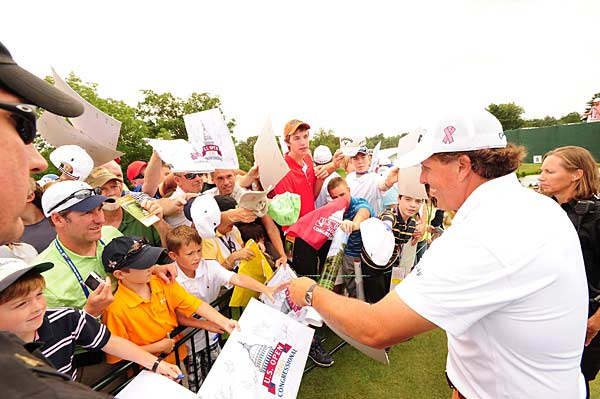 As always, Mickelson spent time greeting fans and signing autographs.